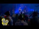 Клип Лимонадный Рот исполняют песню Сжигай мосты (на английском).